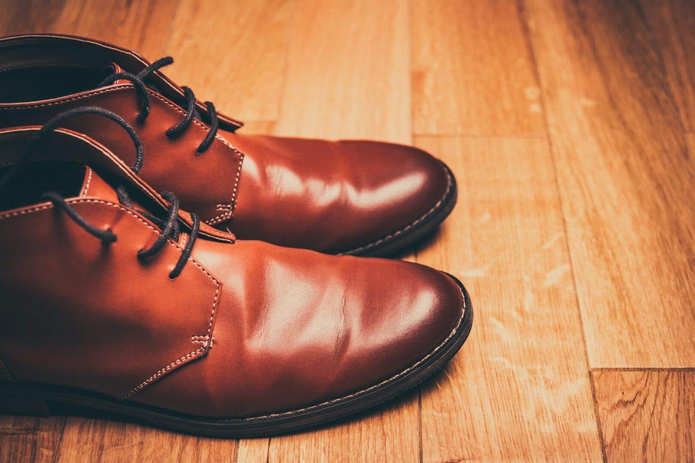 Fabrication de chaussures en cuir à la Jamaïque