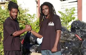 Shavoy Samuels et Gavin Baird valorisent les déchets Tortola